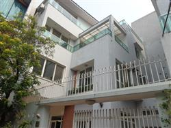 Modern and bright 4 bedrooms villa , available for rent in Tay Ho