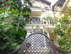4 bedrooms, Beautiful  house in Dang Thai Mai, Tay Ho, Ha Noi (Fr)
