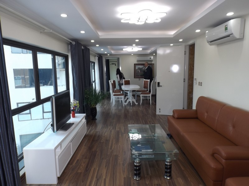 Large living-room apartment 2beds for rent in Pham Huy Thong (Fr)