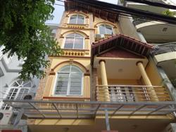 Beautifull 4 bedrooms house in Au Co, Tay Ho dist., available for rent (Vn)
