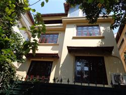 French style villa quiet located in quiet area of To Ngoc Van street available for rent
