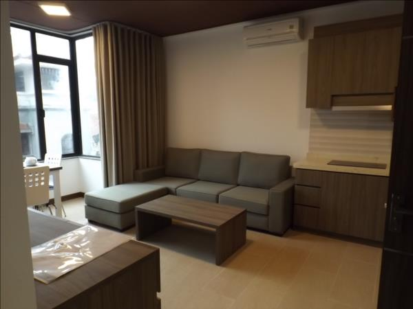 Open View  two bedrooms apartment in Tu Hoa street near by Sheraton Hotel ,Tay Ho available for rent (Fr)