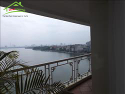 Big side Lake view 3 bedroom apartments for rent on Xuan Dieu,Ha Noi