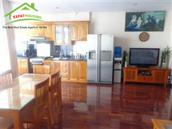 Open view apartment for rent ,2 bedrooms in Kham Thien,Dong Da, Ha Noi
