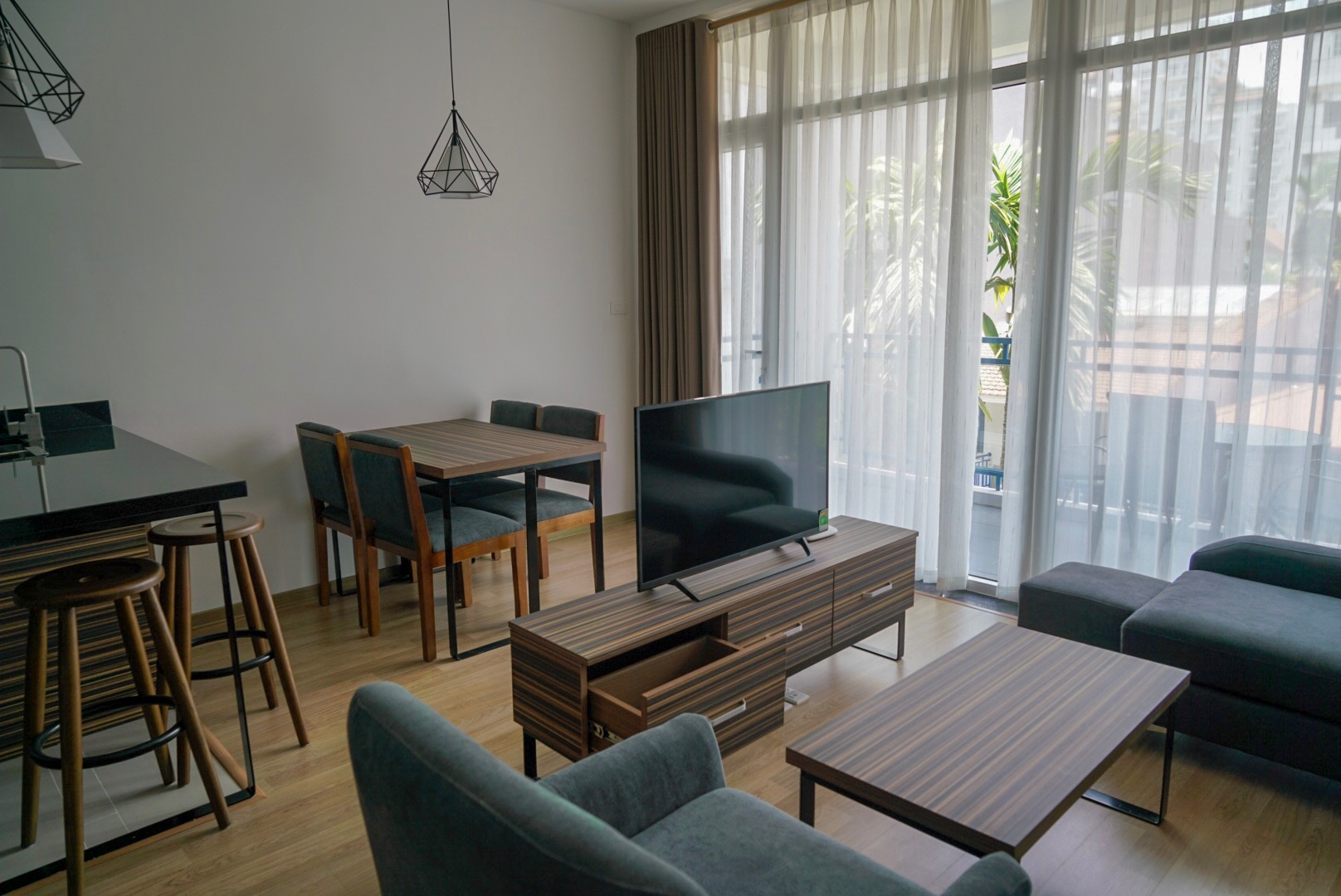 Modern and luxurious two bedrooms with spacious balcony apartment available for rent in tay Ho
