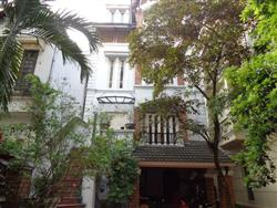 Swimming pool  villa to rent 4 bedrooms in To Ngoc Van,Tay Ho dist,.