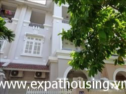 4 bedrooms Villa ciputra in T6 available for rent