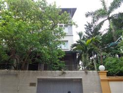 Modern and luxurious 5 bedrooms villa on Tay Ho street ,Tay Ho dist,..available for rent (Vn)