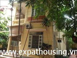 Charming house 3 bedrooms with outdoor space available for rent
