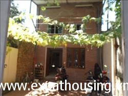 garden house  3 bedrooms available for rent in Xom Chua,Dang Thai Mai,Tay Ho,Ha Noi