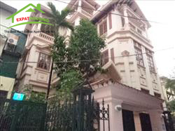 very big  house, with 5 Bedrooms, in lane 31 Xuan Dieu, Tay Ho, Ha Noi