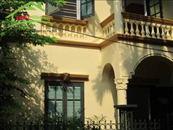 Big 4 bedrooms  house in lane 310 Nghi Tam street, An Duong, Tay Ho, Ha Noi