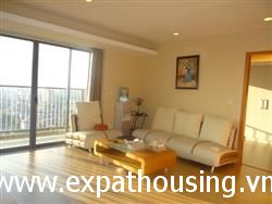 hight floor 3 bedrooms apartment in Dong Da dist. available for rent