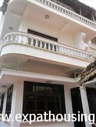 House, 4 Bedrooms, in To Ngoc Van, Tay Ho, Ha Noi (Vn)