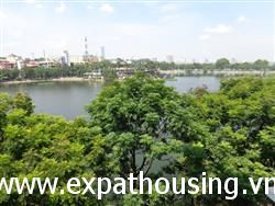 Spacious 2 beds apartment in Tran Vu,Truc Bach with Lake View (Vn)
