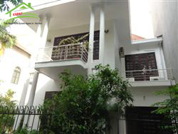 house with big garden, 3 Bedrooms in To Ngoc Van, Tay Ho, Ha Noi
