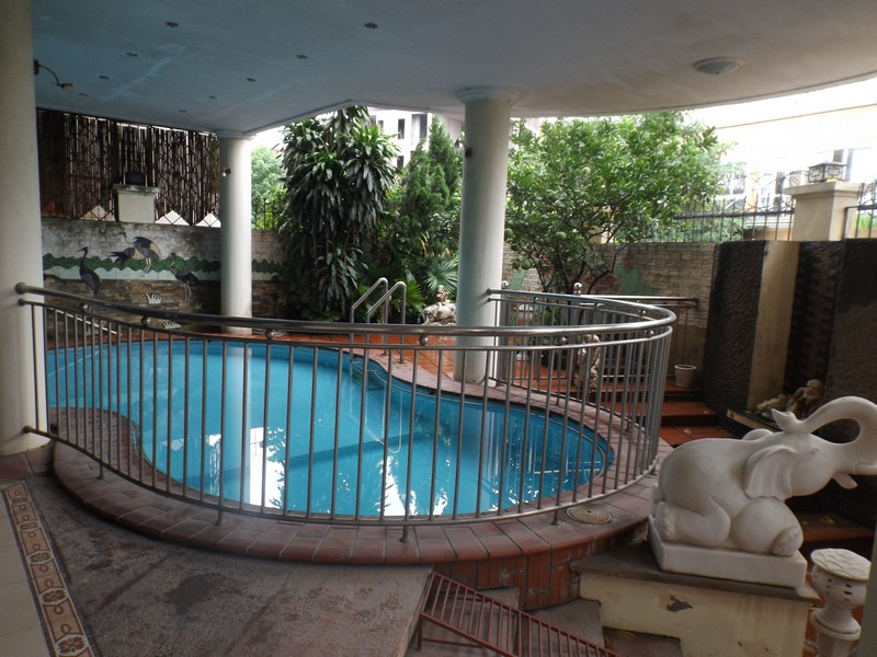 Beautiful villa with swimming pool available for rent on Au Co street in Tay Ho