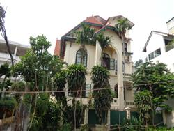 French style villa  perfect condiction for rent in Tay Ho road (Vn)