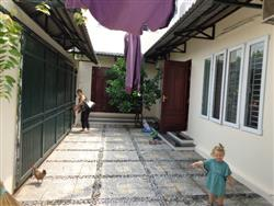 Large house two bedrooms near flower market available for rent (Vn)