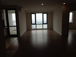 new Minpec  building  3 bedrooms apartment in Long Bien close to Hoan Kiem area available for rent