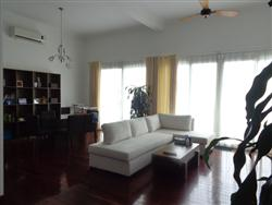 Big balcony lake view, 3 Bedrooms, Service apartment in Xom Chua, Dang Thai Mai, Tay Ho,Ha Noi (Vn)