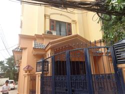 Open view 4 bedrooms house in Tay Ho for rent