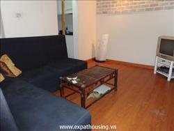 Bright 1 bedroom apartment, nice furnishings in Ba Trieu available for rent