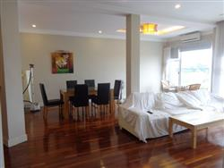 Fantastic lake view, 3 bedrooms, very bright apartment in Tay Ho