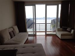 Beautiful 2 bedrooms lake view apartment  available for rent (Fr)