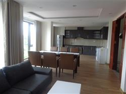 Good price 3 bedroom apartment in Tay Ho, spacious and bright (Vn)