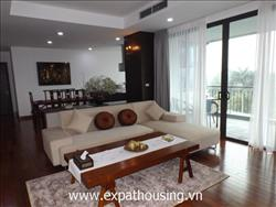 large modern style big side serviced apartment for rent in Tay Ho (Fr)
