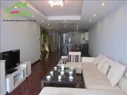 Lake view, 3 bedrooms apartment in Lac Long Quan,Tay Ho,Ha Noi