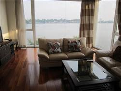2 Bedrooms apartment in Yen Phu, Tay Ho, Ha Noi